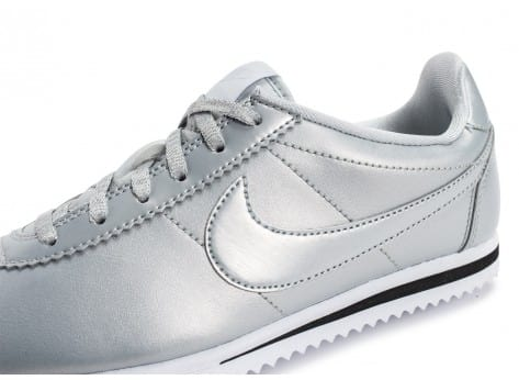 Chaussures Nike Cortez SE Silver pack vue dessus