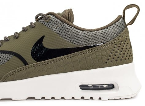 Chaussures Nike Air Max Thea olive vue dessus