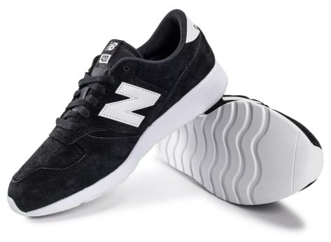 Chaussures New Balance 420 Re-Engineered Suede noire vue intérieure