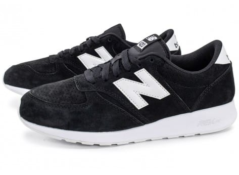 Chaussures New Balance 420 Re-Engineered Suede noire vue extérieure