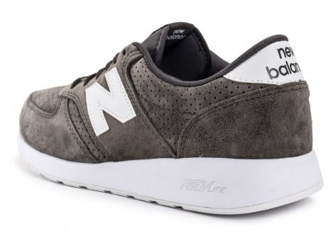 Chaussures New Balance 420 Re-Engineered Suede gris vue arrière