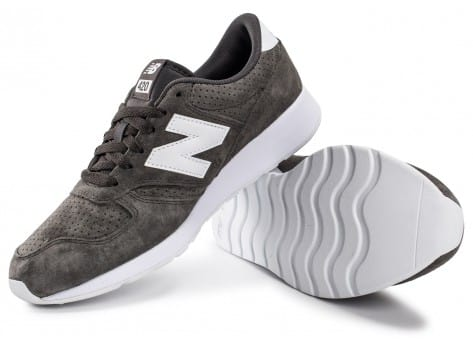 Chaussures New Balance 420 Re-Engineered Suede gris vue intérieure