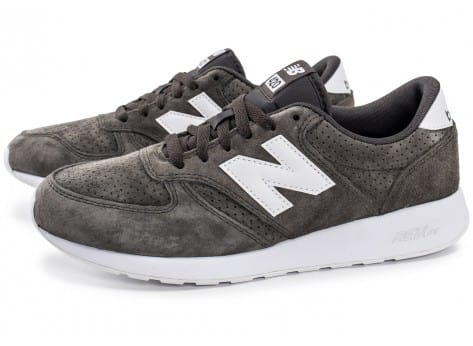 Chaussures New Balance 420 Re-Engineered Suede gris vue extérieure