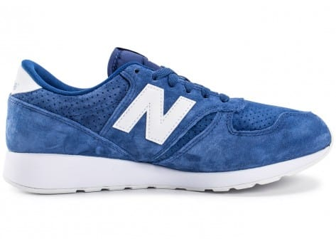 Chaussures New Balance 420 Re-Engineered Suede bleue vue dessous