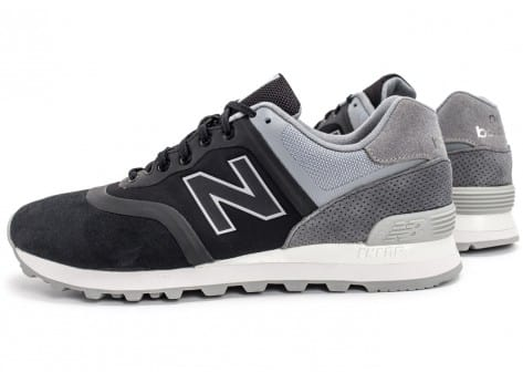 Chaussures New Balance 574 Re-Engineered Suede noire vue extérieure