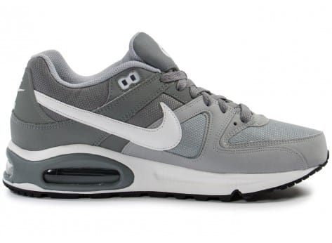 Chaussures Nike Air Max Command grise vue dessous