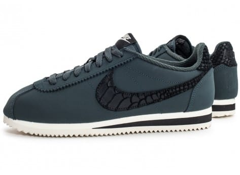 Chaussures Nike Cortez Leather SE seaweed vue extérieure