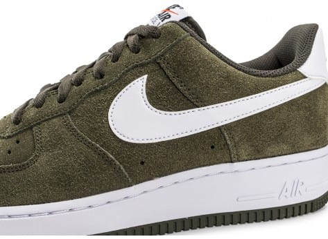 Chaussures Nike Air Force 1 Suede kaki vue dessus