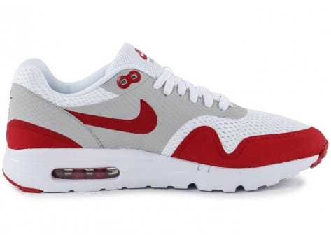 Chaussures Nike Air Max 1 Ultra Essential blanc rouge vue dessous