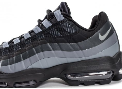 Chaussures Nike Air Max 95 Ultra Essential noire vue dessus