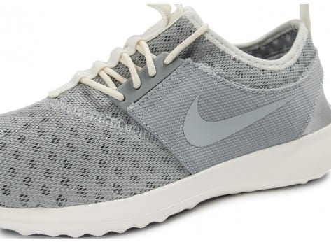 Chaussures Nike Juvenate grise vue dessus