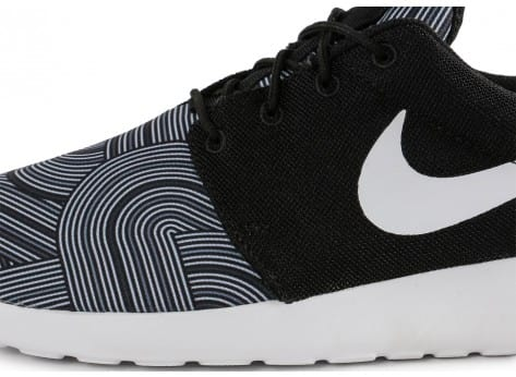 Chaussures Nike Roshe One Print noire vue dessus