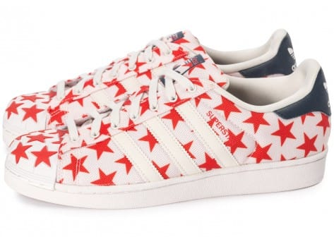Chaussures adidas Superstar Shell Toe Star Pack blanche et rouge vue extérieure