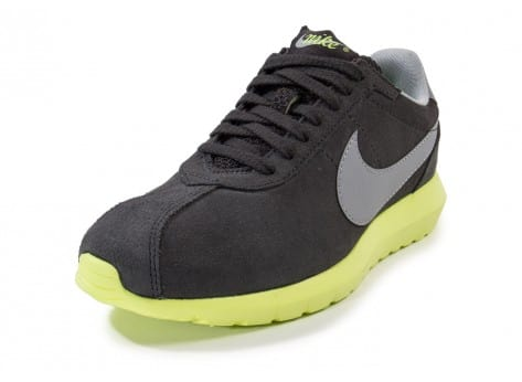 Chaussures Nike Roshe LD-1000 Suede grise vue avant