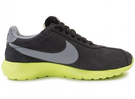 Chaussures Nike Roshe LD-1000 Suede grise vue dessous