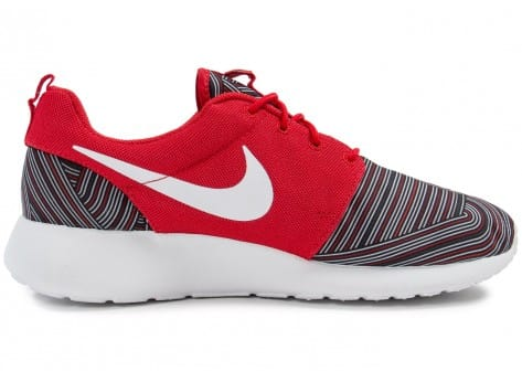 Chaussures Nike Roshe One Print rouge vue dessous