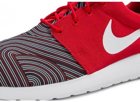 Chaussures Nike Roshe One Print rouge vue dessus