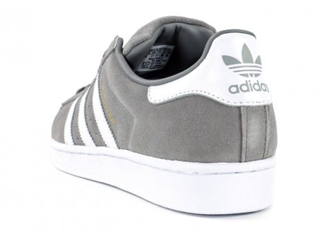 Chaussures adidas Superstar Suede grise vue arrière