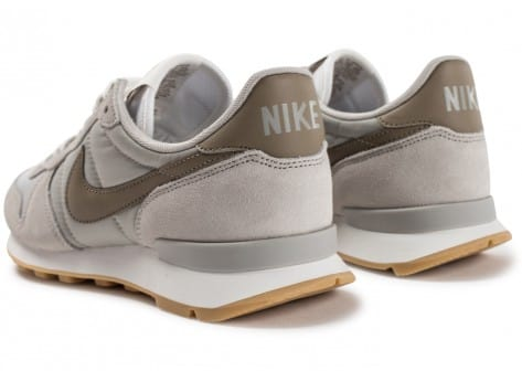 Chaussures Nike Internationalist W Pale grey vue dessous