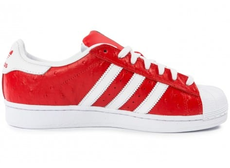 Chaussures adidas Superstar Animal rouge vue dessous