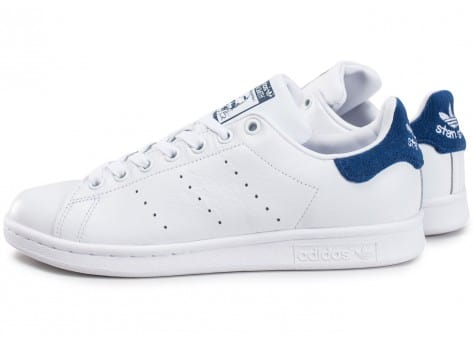 adidas stan smith blanche et bleu marine chaussures homme chausport. Black Bedroom Furniture Sets. Home Design Ideas