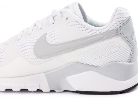 Chaussures Nike Pegasus 92/16 blanche vue dessus