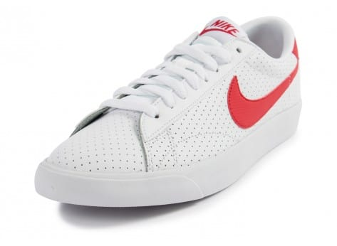 Chaussures Nike Tennis Perf blanche et rouge vue avant