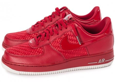 Chaussures Nike Air Force 1 LV8 Low rouge vue extérieure