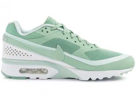 Chaussures Nike Air Max BW Ultra Enamel Green vue dessous