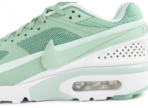 Chaussures Nike Air Max BW Ultra Enamel Green vue dessus