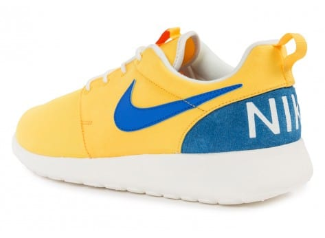 Chaussures Nike Roshe One Retro jaune vue arrière