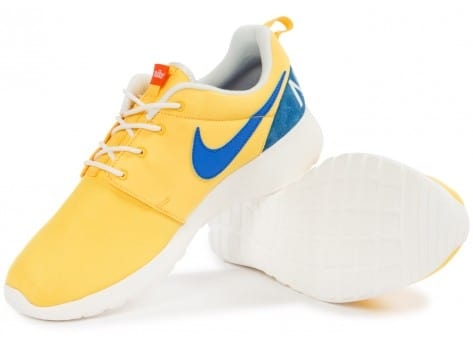 Chaussures Nike Roshe One Retro jaune vue intérieure
