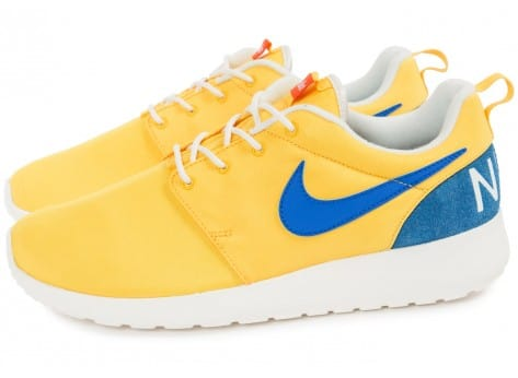 Chaussures Nike Roshe One Retro jaune vue extérieure