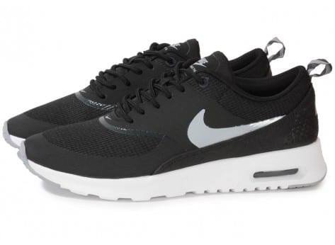 nike air max thea noire blanche chaussures chaussures chausport. Black Bedroom Furniture Sets. Home Design Ideas