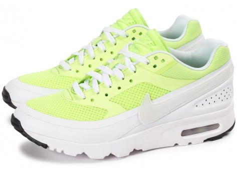 Chaussures Nike Air Max BW Ultra Ghost Green vue extérieure