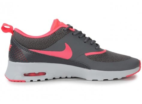 Chaussures Nike Air Max Thea Grise Rose vue dessous
