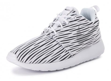Chaussures Nike Roshe one ENG blanche vue avant