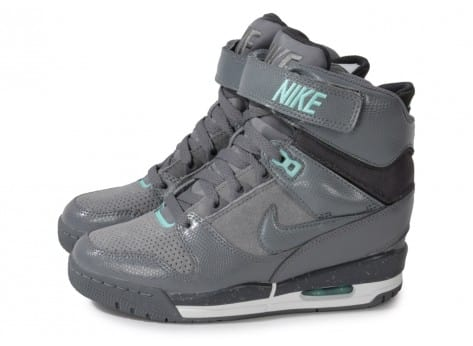 nike air revolution compensee