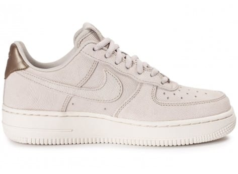 Chaussures Nike Air Force 1 Premium Suede Gamma grey vue dessous