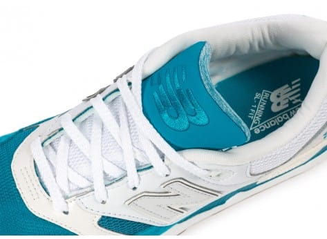 Chaussures New Balance M530 AA Gumsole blanche et turquoise vue dessus