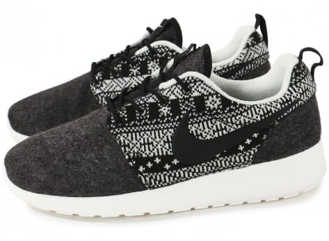 Chaussures Nike Roshe One Winter Sweater vue extérieure
