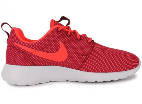 Chaussures Nike Roshe One Grenat vue dessous