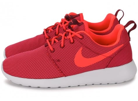 Chaussures Nike Roshe One Grenat vue extérieure