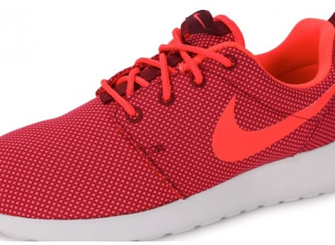 Chaussures Nike Roshe One Grenat vue dessus