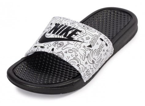 Chaussures Nike Benassi Just Do It print Steven Harrington vue avant