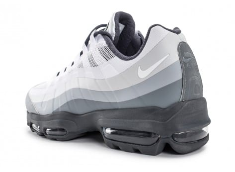 Chaussures Nike Air Max 95 Ultra Essential blanche et grise vue avant