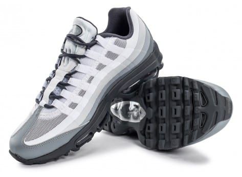 Chaussures Nike Air Max 95 Ultra Essential blanche et grise vue dessous
