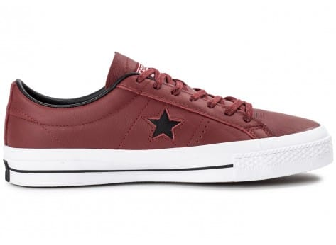 Chaussures Converse One Star Leather Bordeaux vue dessous