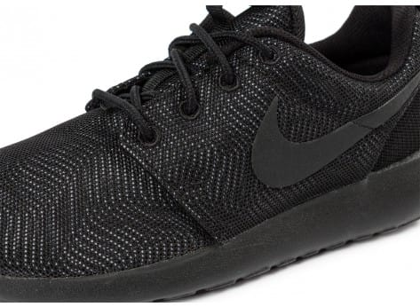 Chaussures Nike Roshe One Moire noire vue dessus
