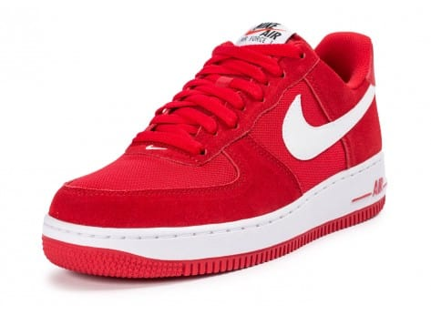 Chaussures Nike Air Force 1 Suede rouge vue avant